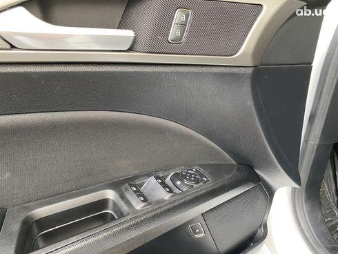 Ford Fusion 2018 белый - фото 7